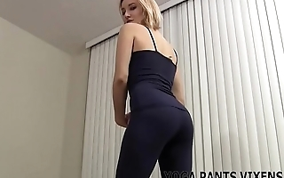 You can keep in view me work out in my tight yoga pants JOI