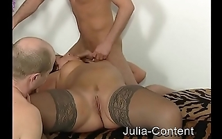 Milf do threesome SEX