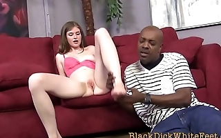 Teen gets feet spunked