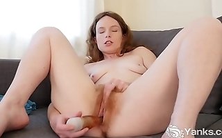 Yanks Ana Molly Tears into her Pussy