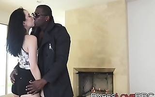Aria Alexander gobbles up unaffected by ebony pike