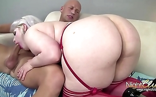 Platinum Blonde BBW Yawning chasm throat and fucking