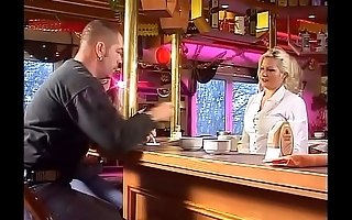 How to pick up coupled with fuck a hot waitress in her own bar