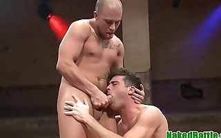 Wrestling stud blows cock in sixtynine pose